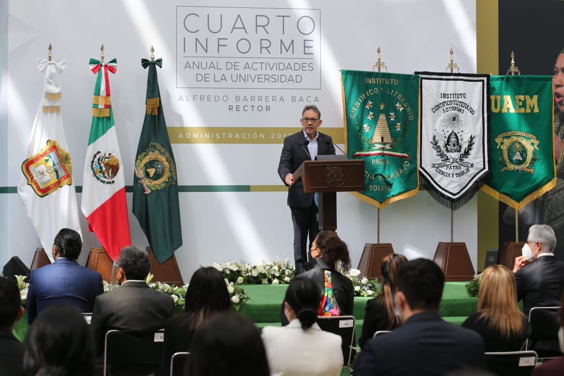RINDIÓ ALFREDO BARRERA ÚLTIMO INFORME EN UAEM